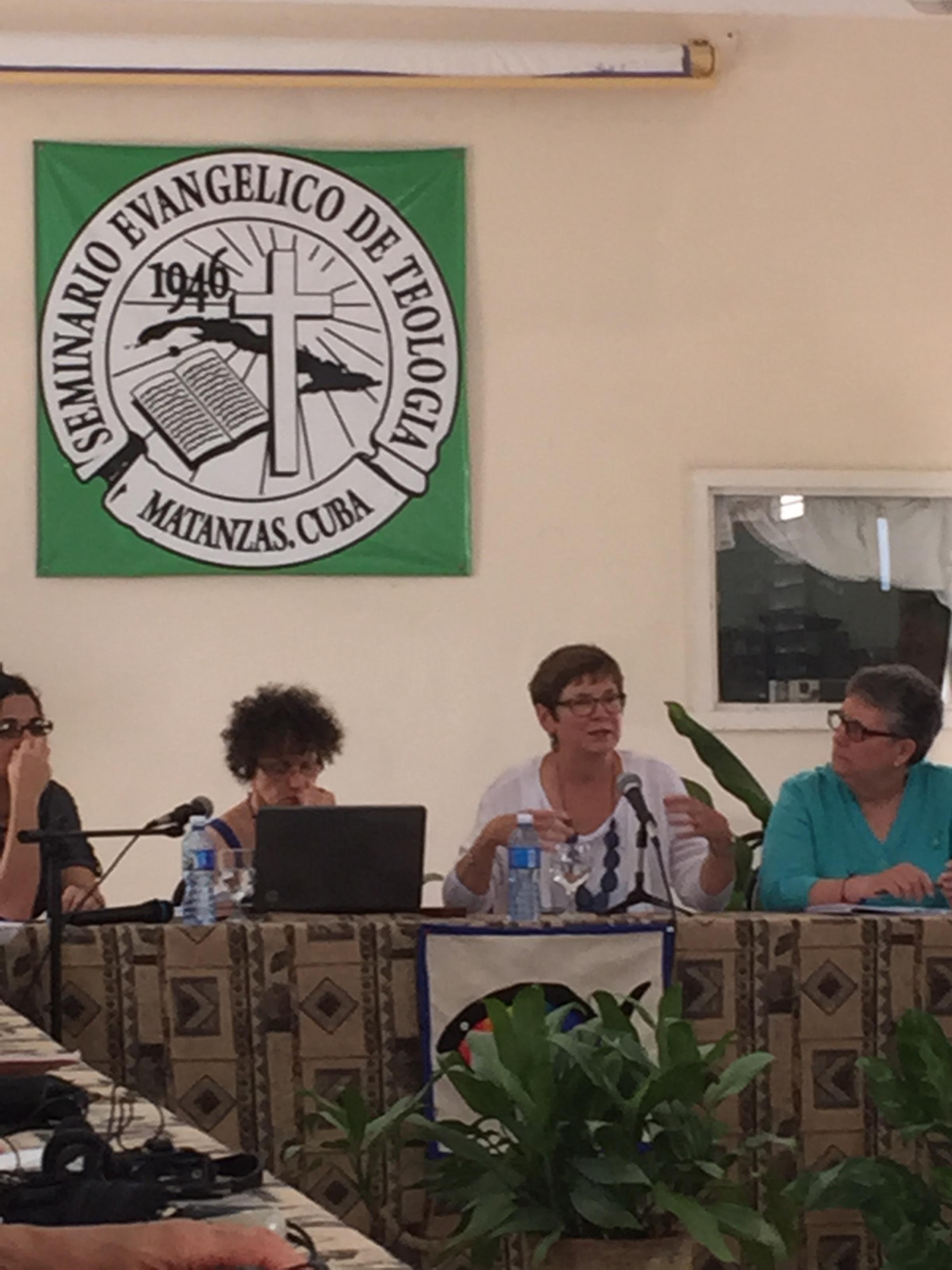 Women Crossing Worlds, Cuba
